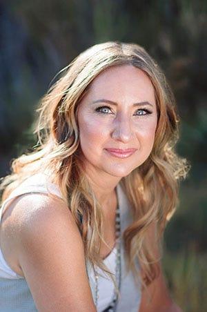 Elizabeth Leiknes  Image